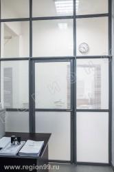 перегородка комбинированная в офисе низ ЛДСП